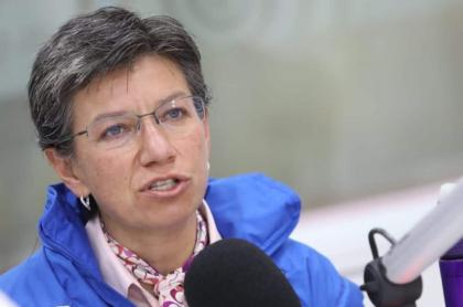Claudia López explica medida de aislamiento preventivo.