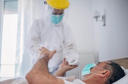 Misterio por posible primera muerte por coronavirus en Colombia.