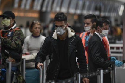 Llegada de viajeros internacionales a aeropuerto El Dorado