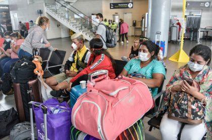 Extranjeros varados en el Aeropuerto El Dorado.