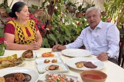 Andrés Manuel López Obrador invita a salir a los restaurantes en crisis por COVID-19