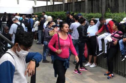 Venzolanos se creyeron cadena de WhatsApp y fueron a reclamar plata