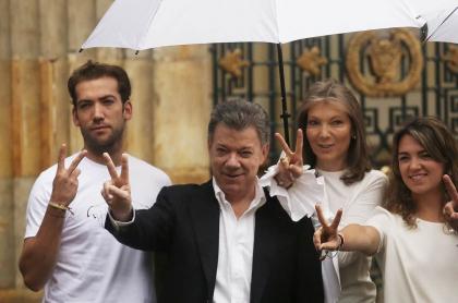Juan Manuel Santos, expresidente, con su esposa, 'Tutina' de Santos, y sus hijos Martín y María Antonia.