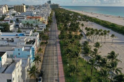 Ocean Drive y Miami beach, en cuarentena por pandemia de coronavirus COVID-19