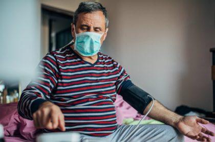 Coronavirus hombre con tapaboca