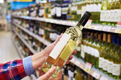En Bogotá solo se podrá comprar una botella de licor por persona