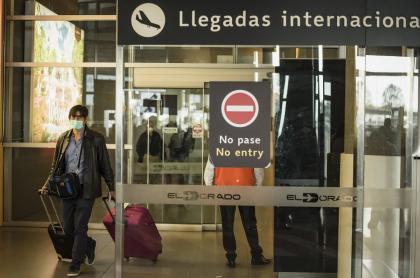 Llegadas internacionales del aeropuerto El Dorado de Bogotá, durante la pandemia de coronavirus COVID-19