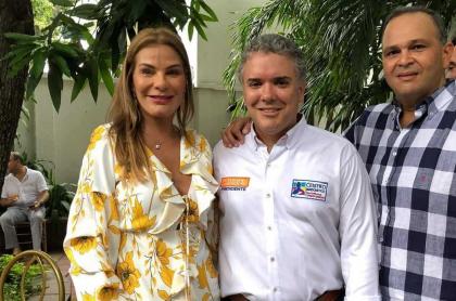 María Mónica Urbina, exreina; Iván Duque, presidente; y Jose 'Ñeñe' Hernández, ganadero (Q.E.P.D.).