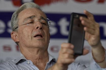 Álvaro Uribe Vélez, expresidente y senador.
