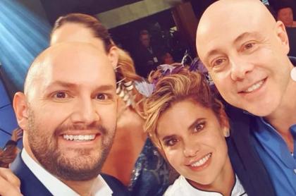 Nicolás de Zubiría y Jorge Rausch, jurados de 'Masterchef', con Adriana Lucía, cantante ganadora del concurso.