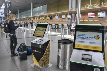Aeropuerto El Dorado de Bogotá, durante la pandemia de coronavirus COVID-19
