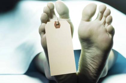 Mujer muerta