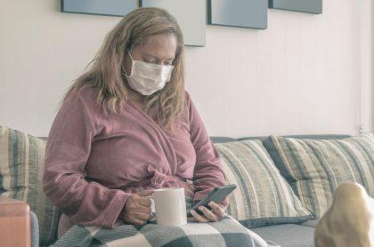 Mujer tapabocas coronavirus