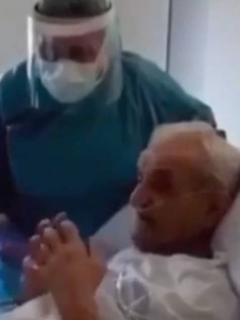 Anciano con coronavirus llama a su esposa