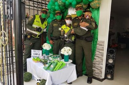 Celebración de cumpleaños de niño de 3 años por la Policía