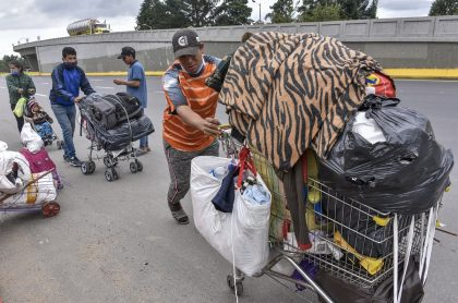 Venezolanos regresan a su país