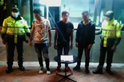 Captura de 3 venezolanos por robo a médica en Bogotá