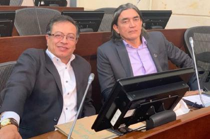 Los senadores Gustavo Petro y Gustavo Bolívar
