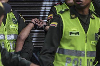 Policías fueron agredidos por venezolanos
