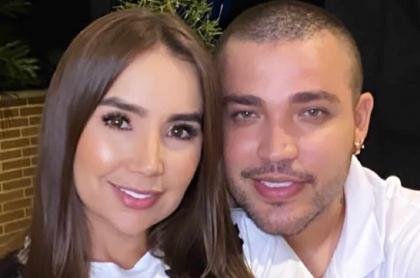 Paola Jara y Jessi Uribe, cantantes.