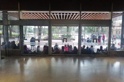 Indígenas que se tomaron edificio Avianca en Bogotá