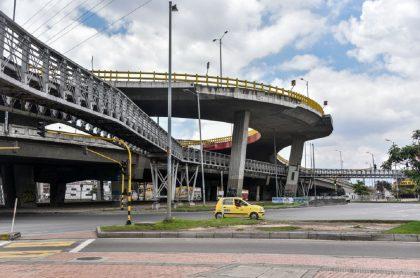 Taxistas al borde de la quiebra consideran no seguir prestando el servicio en todo el país.