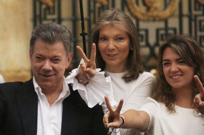 Juan Manuel Santos, expresidente, junto a su esposa, 'Tutina', y su hija, María Antonia.