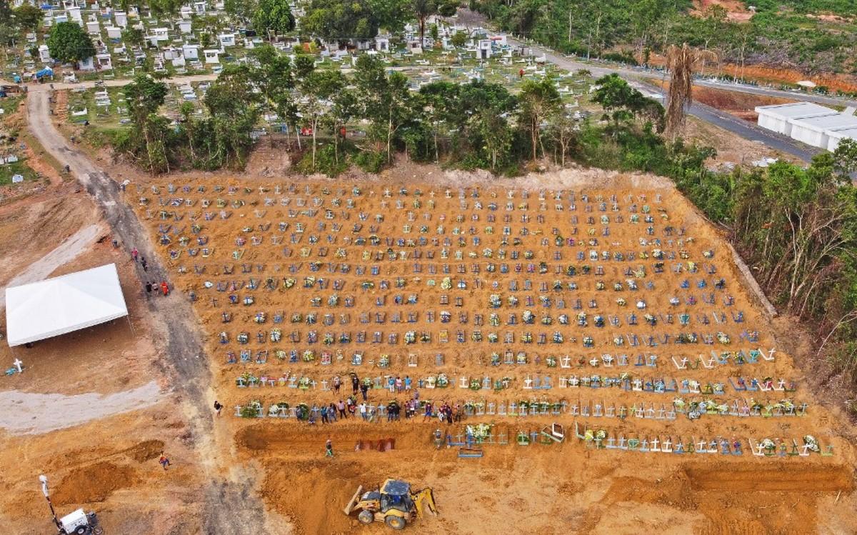 Cementerio Taruma en Manaos, repleto de víctimas de coronavirus