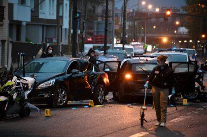 Atropellan policías en Francia