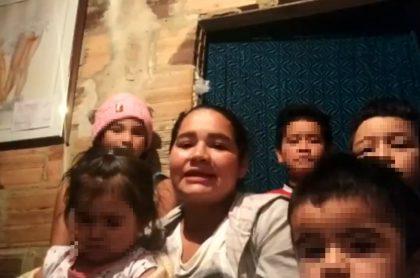 Televidentes se solidarizan con mamá bogotana y darán ayudas para que sus hijos estudien.