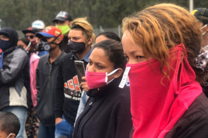 Venezolanos varados en Ecuador volverán a su país en avión