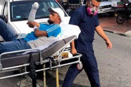 Médicos salvan mano de venezolano agredido en Bucaramanga