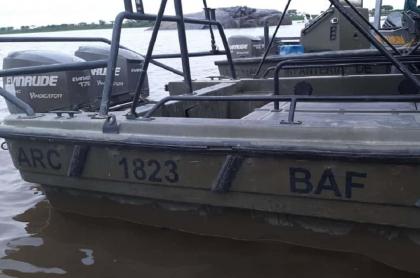 Armada explicó por qué lanchas se las llevó el río