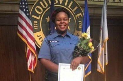 Breonna Taylor, de 26 años, fue asesinada por tres policias.