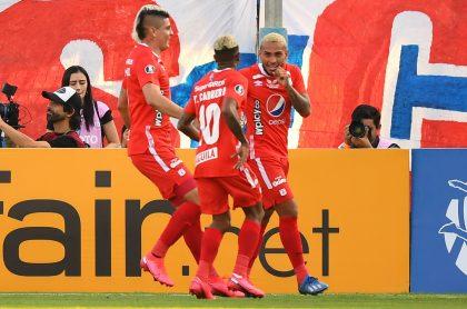 Jugadores de América de Cali, equipo que jugará la Superliga contra Junior el 8 y 11 de septiembre en el regreso del fútbol colombiano