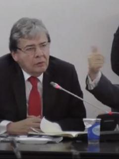 Crítica de Caracol Radio a discurso de ministros de Defensa del Gobierno Duque