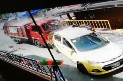 Camión accidentado en Medellín
