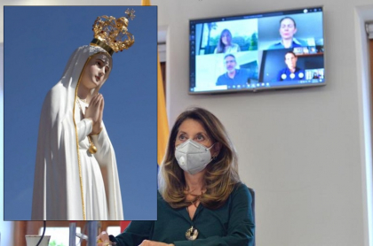 Marta Lucía Ramírez y una Virgen
