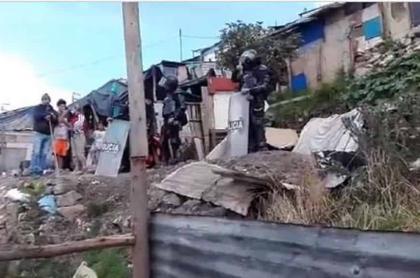 Desalojan familias en Ciudad Bolívar