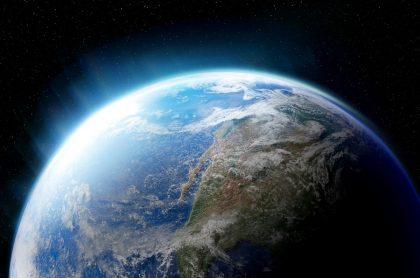 El universo y el planeta tierra