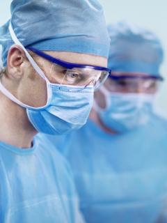 Médicos piden controlar precios de tapabocas