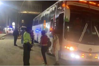 Viajeros detenidos en buses en Barranquilla