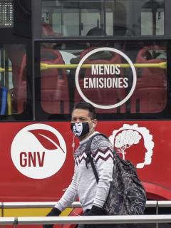 Bogotanos en Transmilenio durante la pandemia de COVID-19