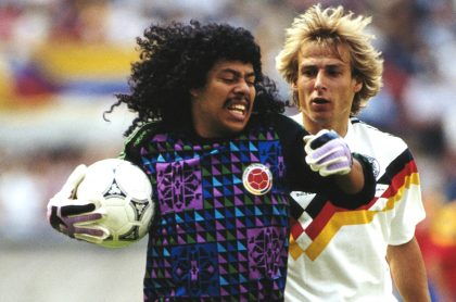 René Higuita con la Selección Colombia ante Alemania en Italia 90