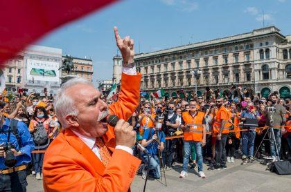 Chalecos naranjas, en Italia