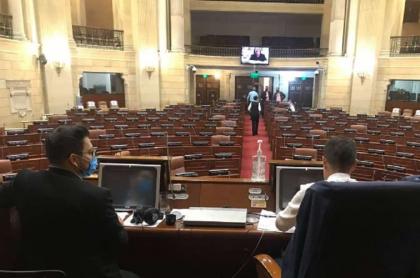 Cámara suspende sesiones por contagiado de coronavirus