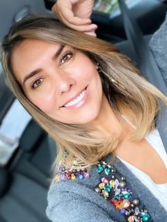Paulina Vega, exreina, y Mónica Rodríguez, presentadora.
