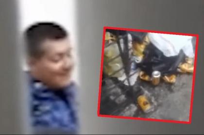Guardias de cárcel de Leticia tomando cerveza en turno