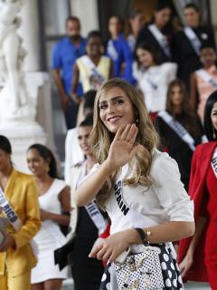 Ángela Ponce, exreina.