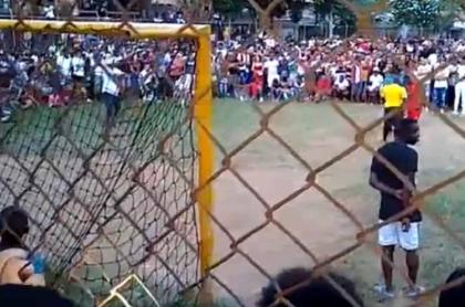 Caleños que violaron cuarentena en torneo de fútbol de barrio